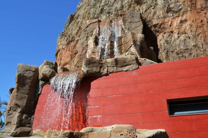 Caida_agua_roca