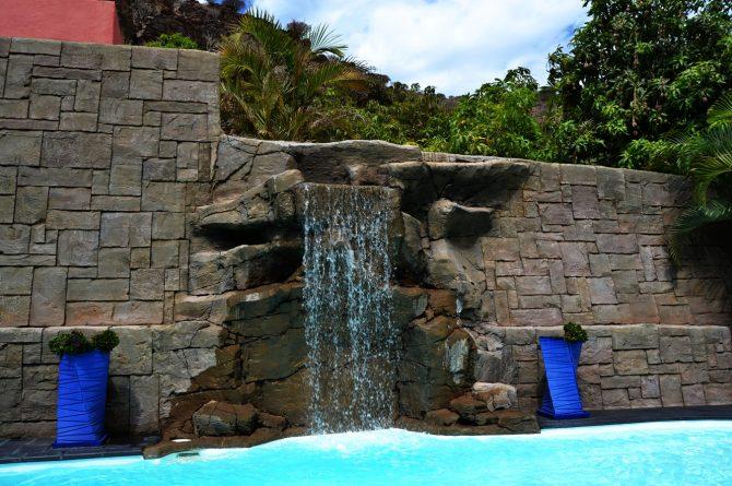 Cascada_piscina_roca