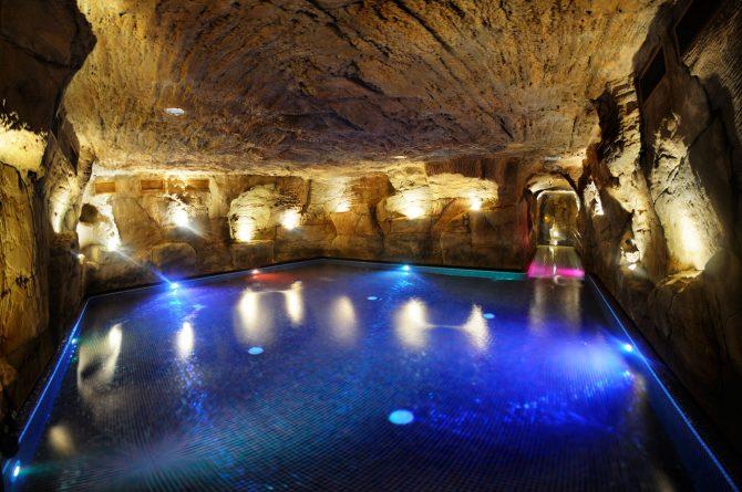 Tematizacion_roca_artificial_mar_muerto_0_Hotel_Eugenia_Victoria-01