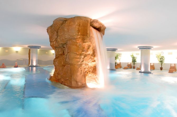 Tematizaciyn_roca_artificial_cascada_spa_wellness_Escorial2